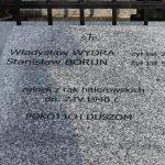 zdjęcie nowej kwatery pomordowanych mieszkańców Królewca i Adamowa na cmentarzu parafialnym w Miedzierzy