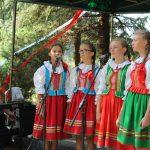 Piesni patriotyczne w wykonaniu dziewczynek ze Szkoły Podst. w Królewcu